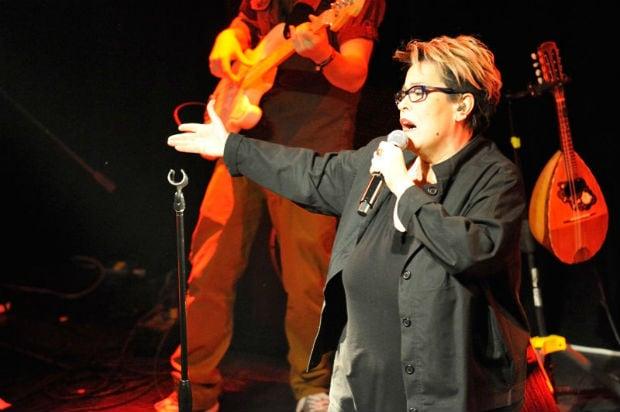 Δείτε το βίντεο: Η Δήμητρα Γαλάνη σας προσκαλεί σε μια συναυλία που θα αφήσει εποχή!