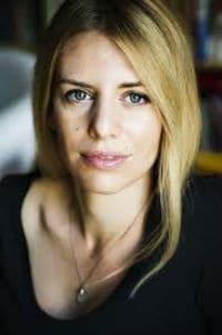 H Σουηδή δημοσιογράφος Kajsa Ekis Ekman στο Public Συντάγματος