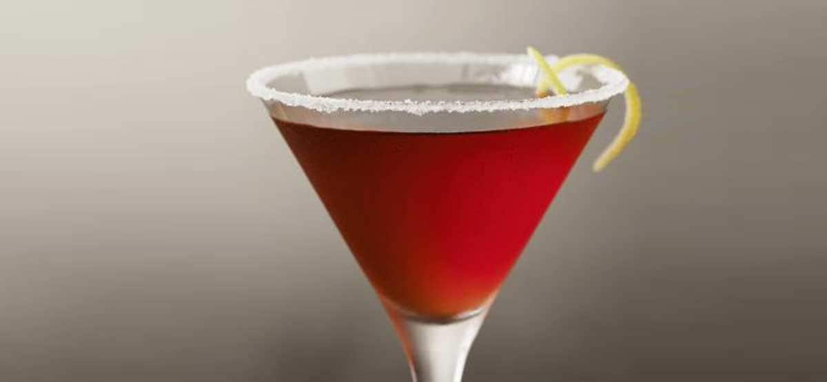 "French kiss cocktail: ""γαλλικό φιλί"" στο ποτήρι σας!"