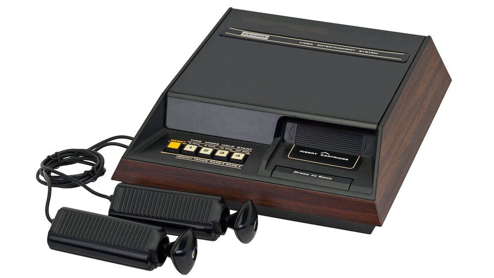 Fairchild_Channel_F_Console_and_Controller_Large