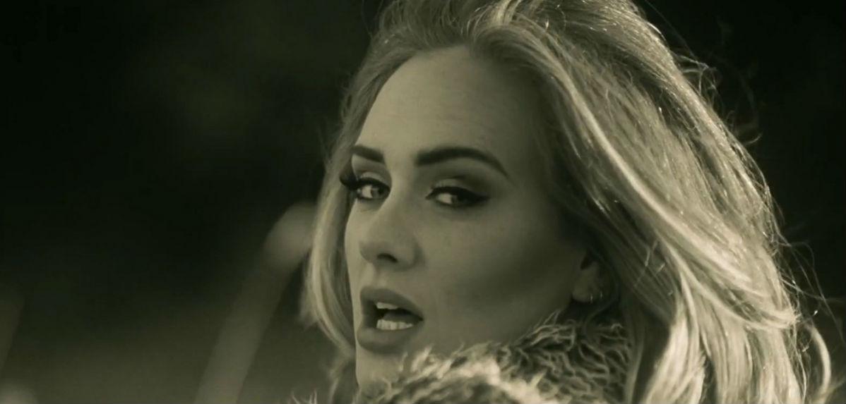 """Η Adele επέστρεψε! Ακούστε το νέο της τραγούδι """"Hello"""""""