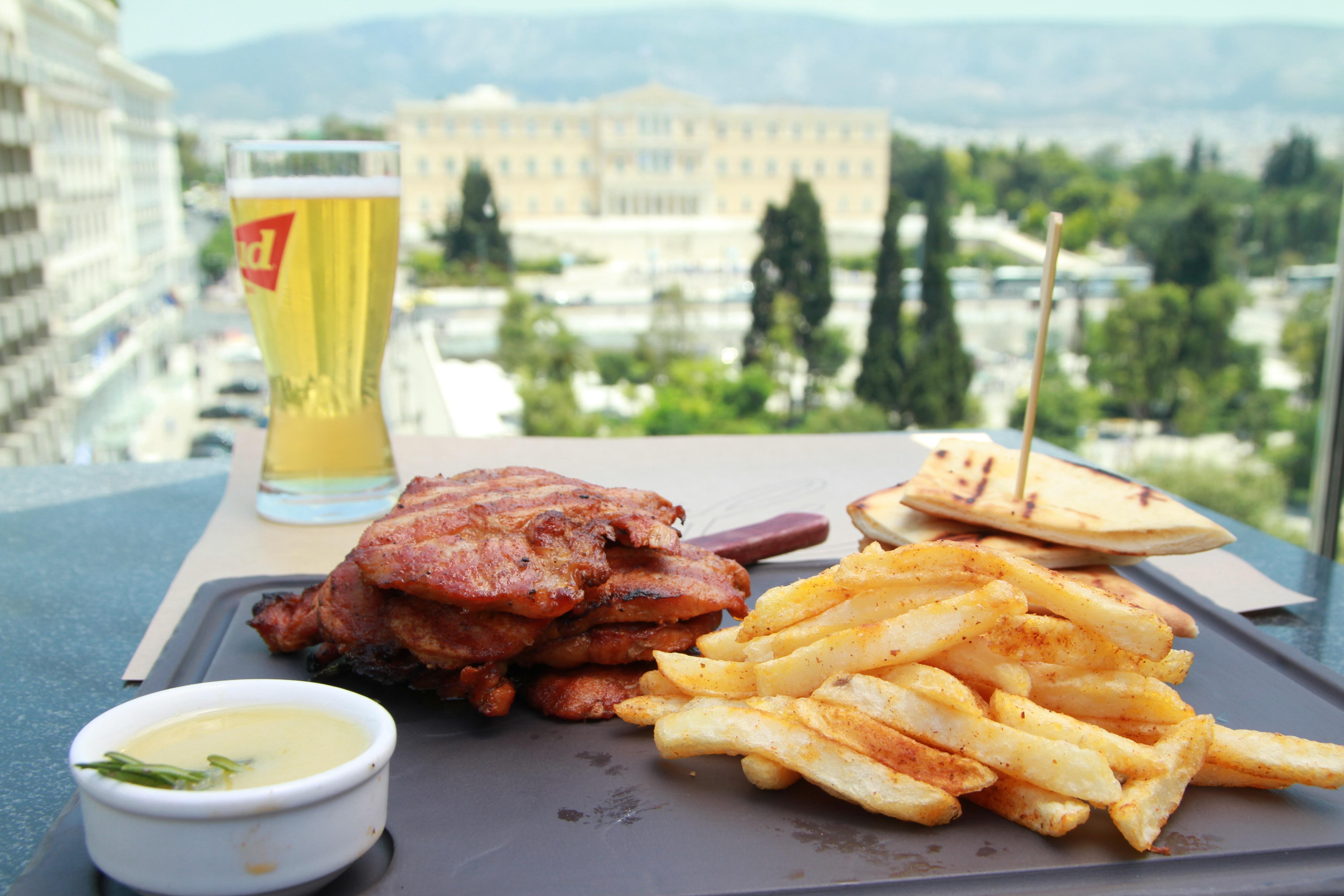 Εάν δεν έχετε όρεξη για μαγειρέματα, απολαύστε το γεύμα σας στο Public Cafe!