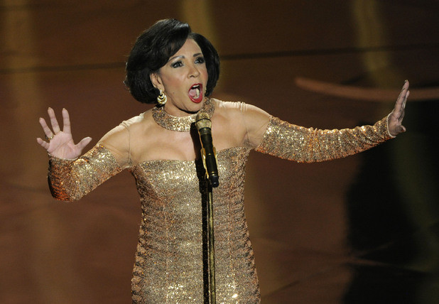 movies-oscars-shirley-bassey-goldfinger