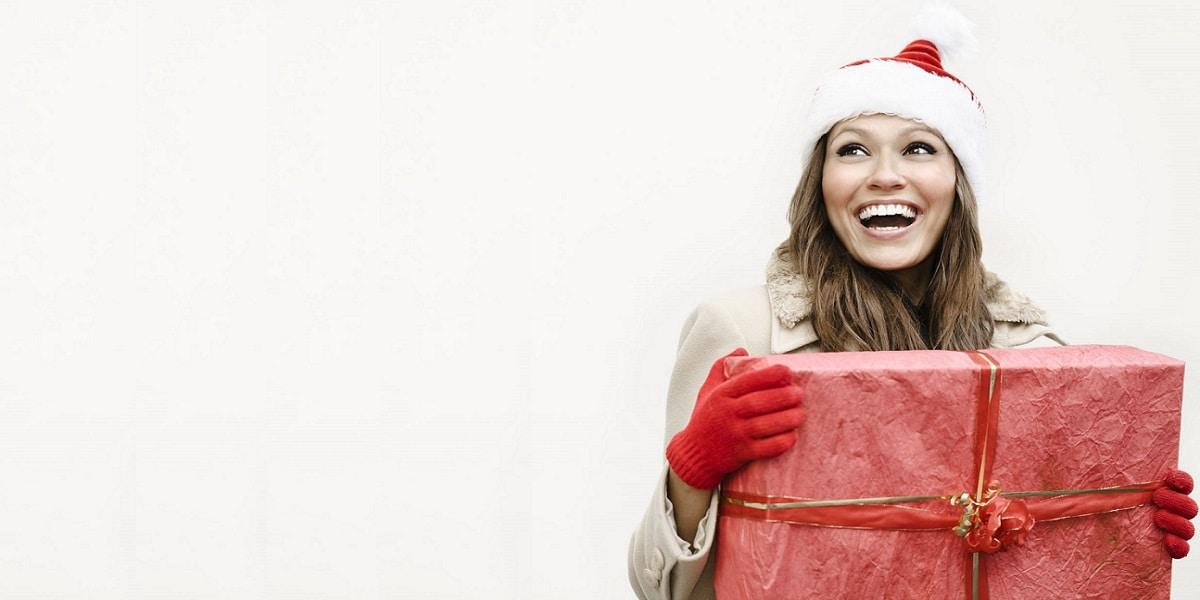 10 οικονομικές προτάσεις δώρων για εκείνη, αυτά τα Χριστούγεννα!