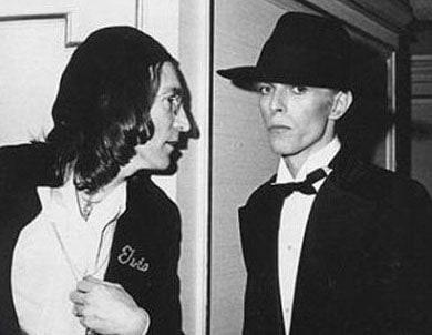 O David Bowie με τον John Lennon