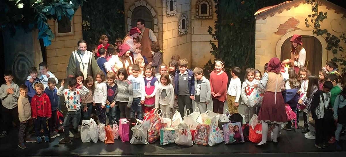 """Πρόγραμμα """"Καλό Ταξίδι"""" για τα παιδιά προσφύγων στο θέατρο Coronet."""