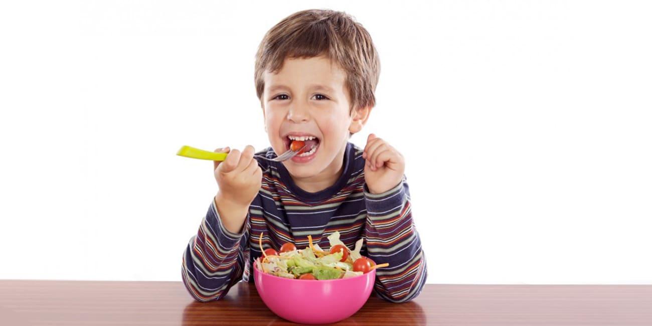 10 συμβουλές για να μυήσετε το παιδί σας στην υγιεινή διατροφή