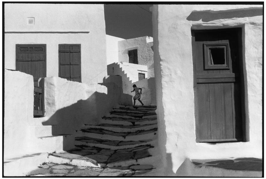 (Henri Cartier-Bresson, 1961, Sifnos, Greece)