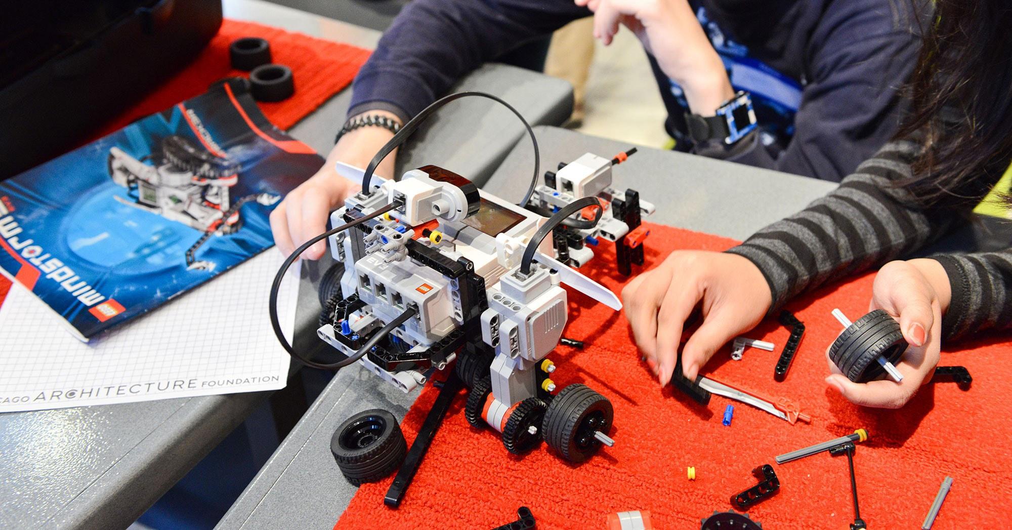 Τα ρομπότ της LEGO επέστρεψαν και είναι καλύτερα από ποτέ!