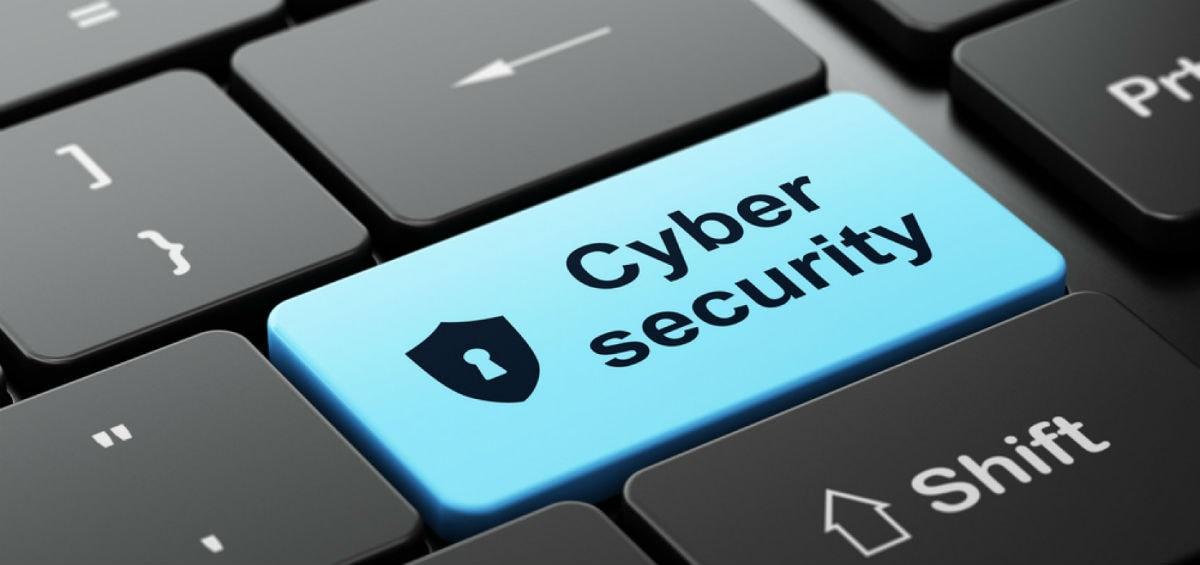 Ταξιδεύετε; 8 συμβουλές cyber security και τα 8 πιο εύχρηστα laptop για ταξίδια!