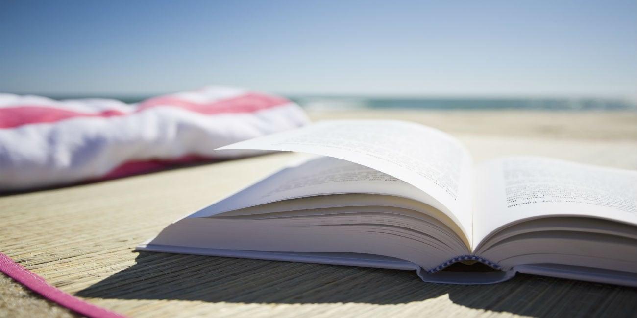 7 βιβλία που θα σε κρατήσουν μέχρι την τελευταία βουτιά!