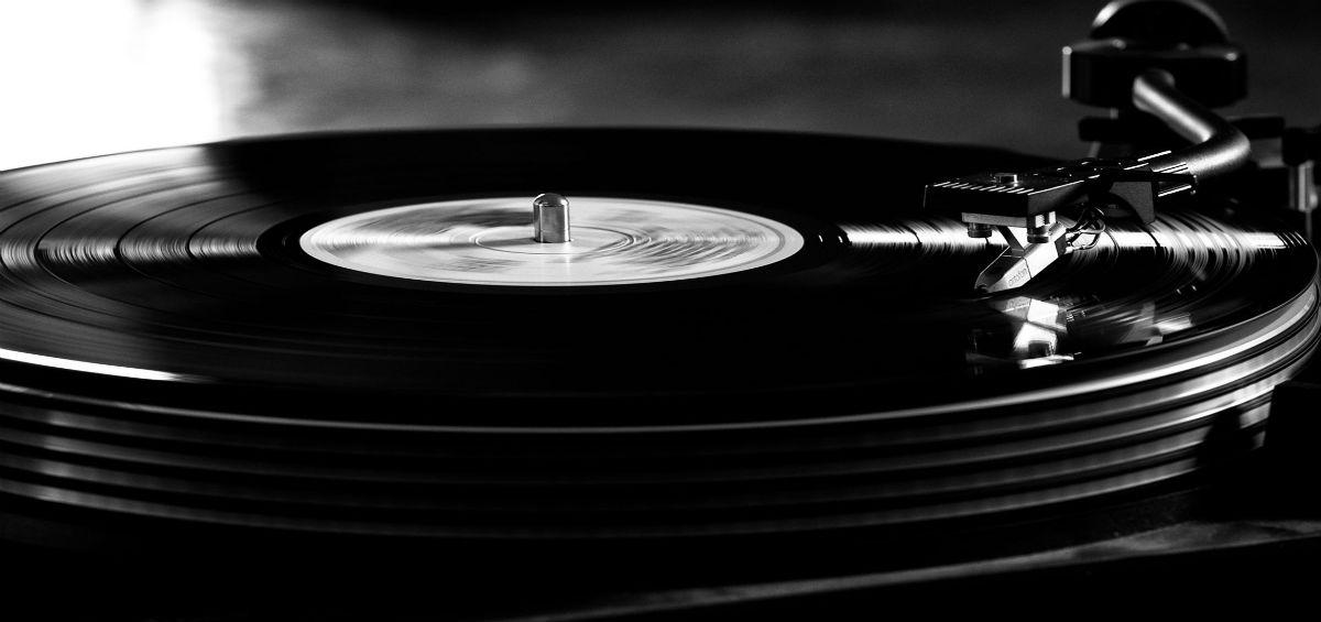 Τα Public στο Vinyl is back! (+) κέρδισε 5 free passes για το Μουσείο Αυτοκινήτου!
