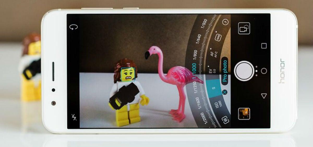 Bρείτε τα υπερσύγχρονα smartphones Honor 8 & Honor 7 στα Public!