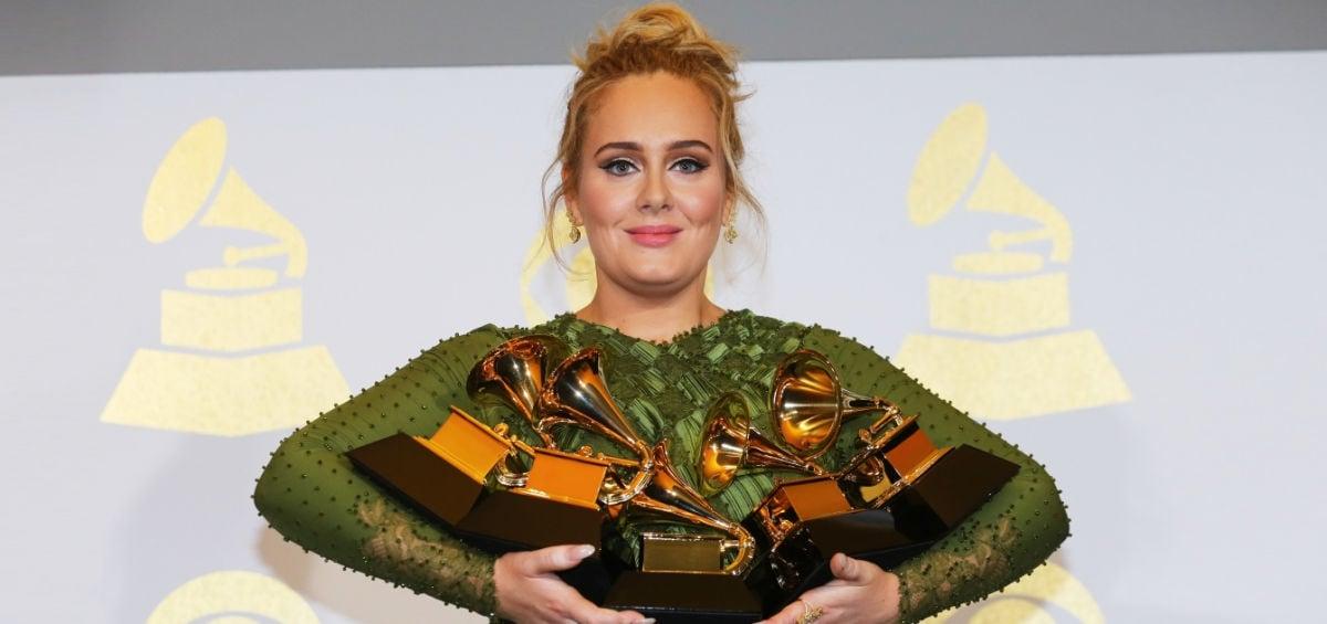 Grammys 2017: αφιέρωμα στη πρωταγωνίστρια της βραδιάς Adele