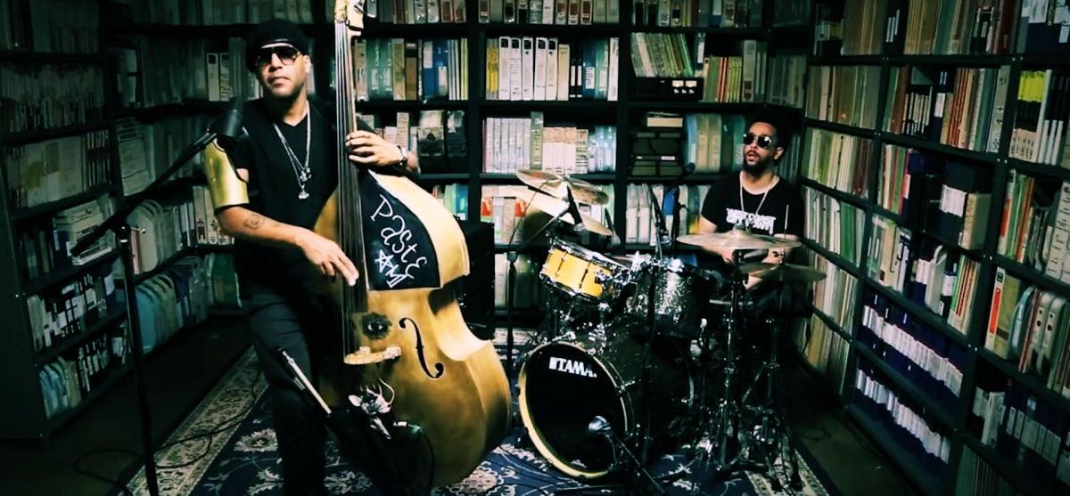 Ο Miles Mosley φέρνει το funk στη jazz του 2017