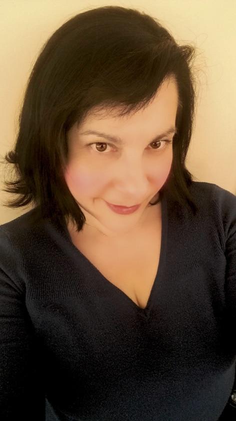 Συνέντευξη με τη συγγραφέα Ευαγγελία Ευσταθίου