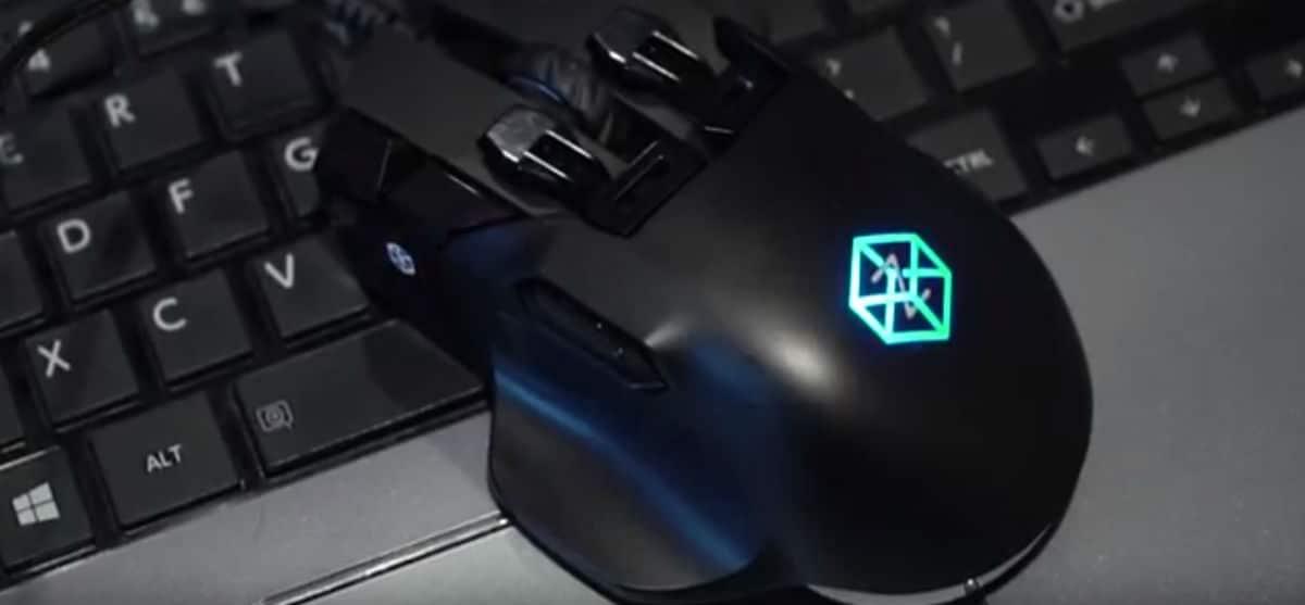 Ο Παύλος Παπαπαύλου μάς παρουσιάζει το gaming mouse Swiftpoint Z