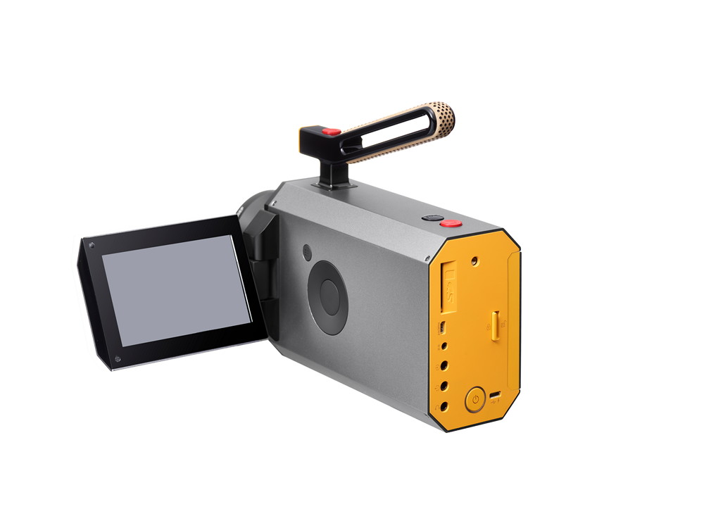 Η νέα κάμερα Super 8 της Kodak φέρει την υπογραφή του Yves Béhar