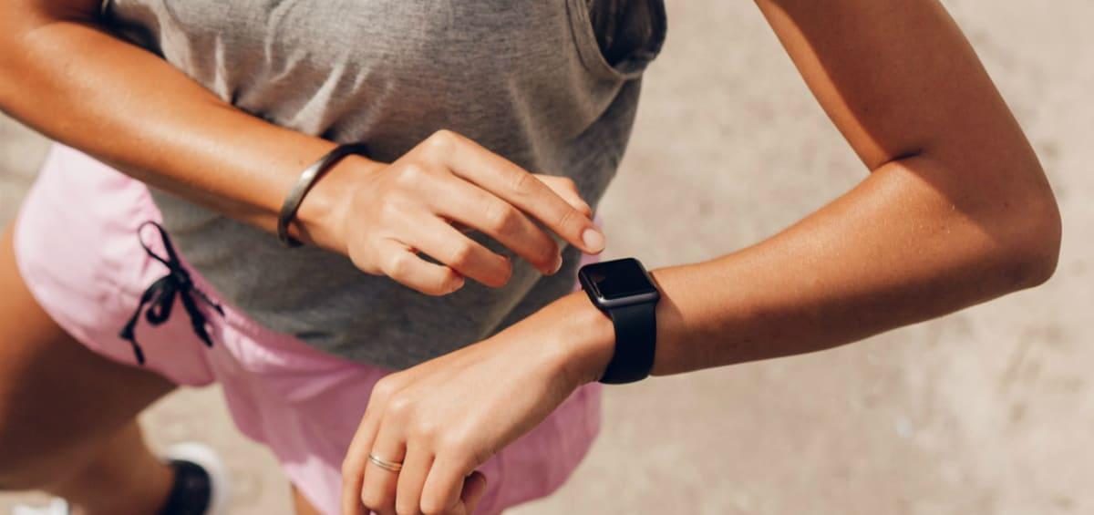 Stay fit εντός και εκτός σπιτιού: διαλέγουμε όργανα γυμναστικής και wearables!