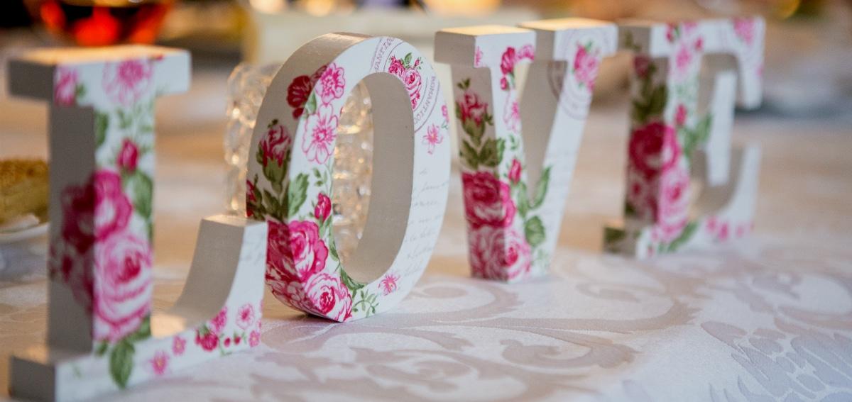 Γαμήλιο πάρτυ σε αίθουσα εκδηλώσεων, στον κήπο ή πάμε παραλία;