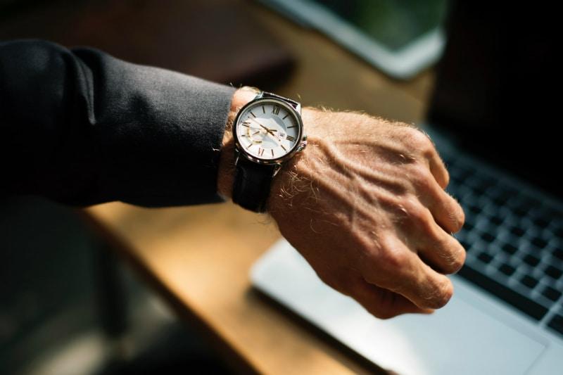 Επιλέγοντας ρολόι: Σύντομος οδηγός για το απόλυτο δώρο