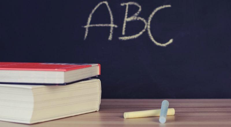 Βιβλιοθήκη για γονείς: Οδηγός επιβίωσης για την επιστροφή στα θρανία