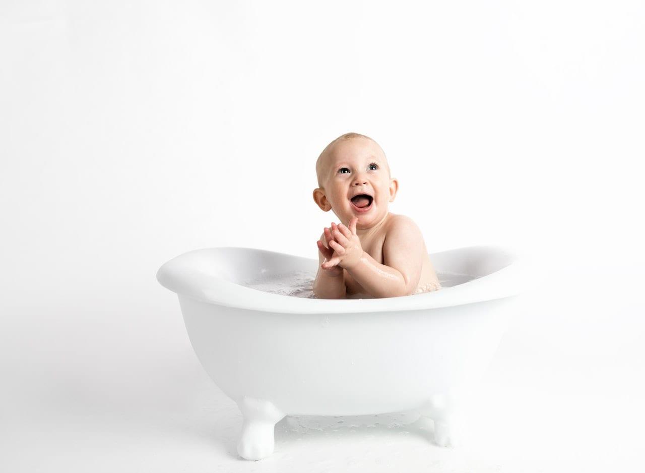 Αγοράζοντας τα κατάλληλα βρεφικά για να μη λείψει τίποτα από το μωρό!