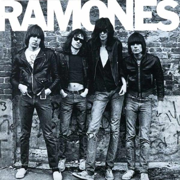 Ramones: O δίσκος-ντεμπούτο που άλλαξε για πάντα τη μουσική