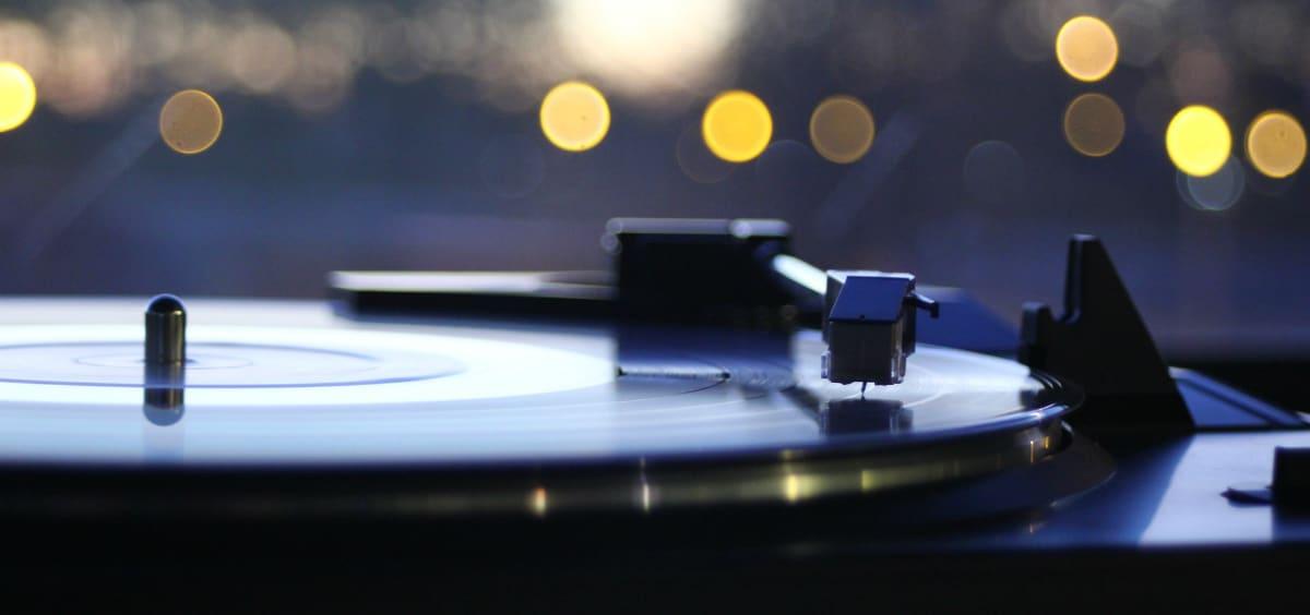 Από τον Miles Davis στους Smiths: 4 επικοί δίσκοι σε τιμή-έκπληξη!