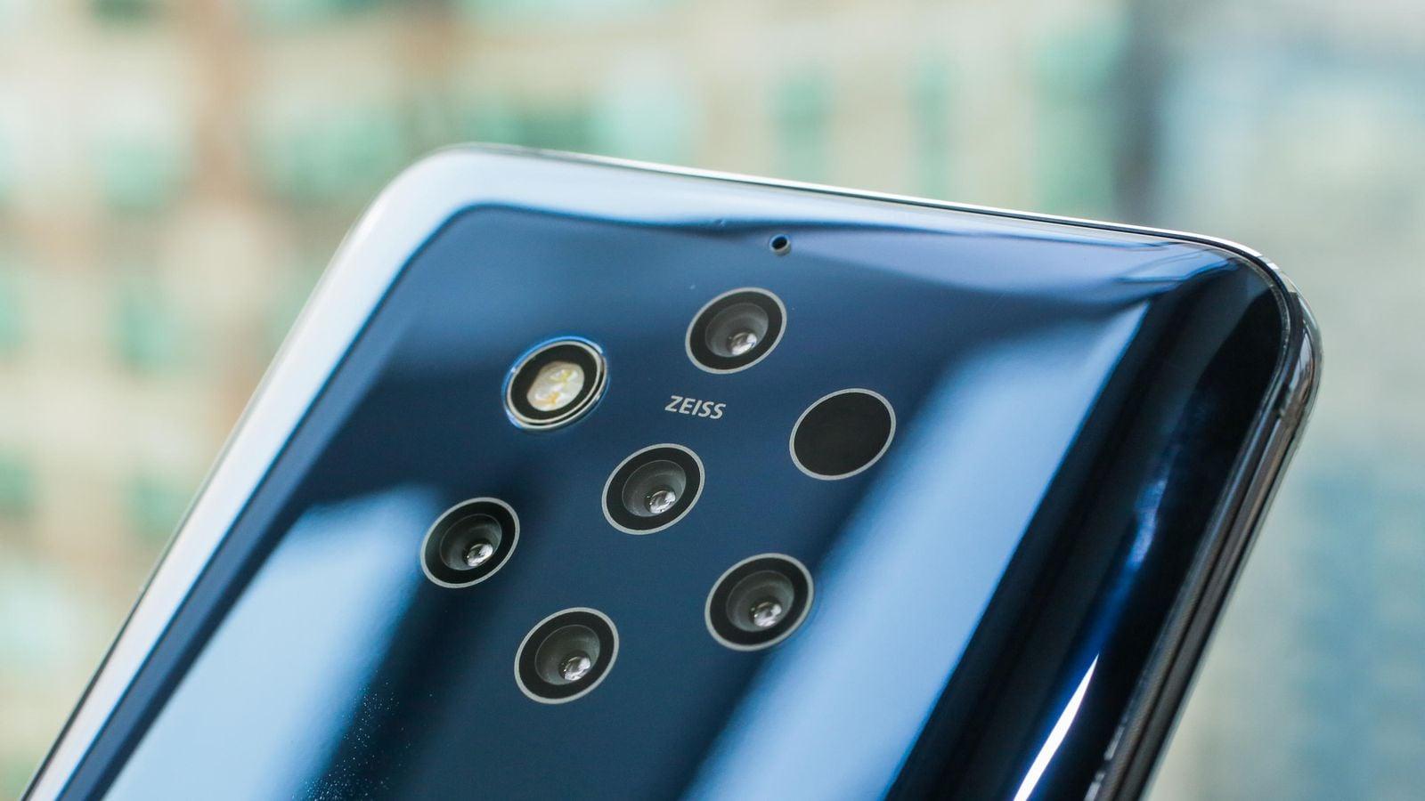 MWC Day 2: Smartphones για όλα τα γούστα με φόντο την εποχή του 5G!