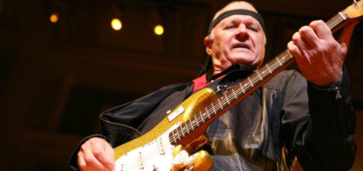 Dick Dale: Έφυγε ο «πατέρας» της surf rock κιθάρας