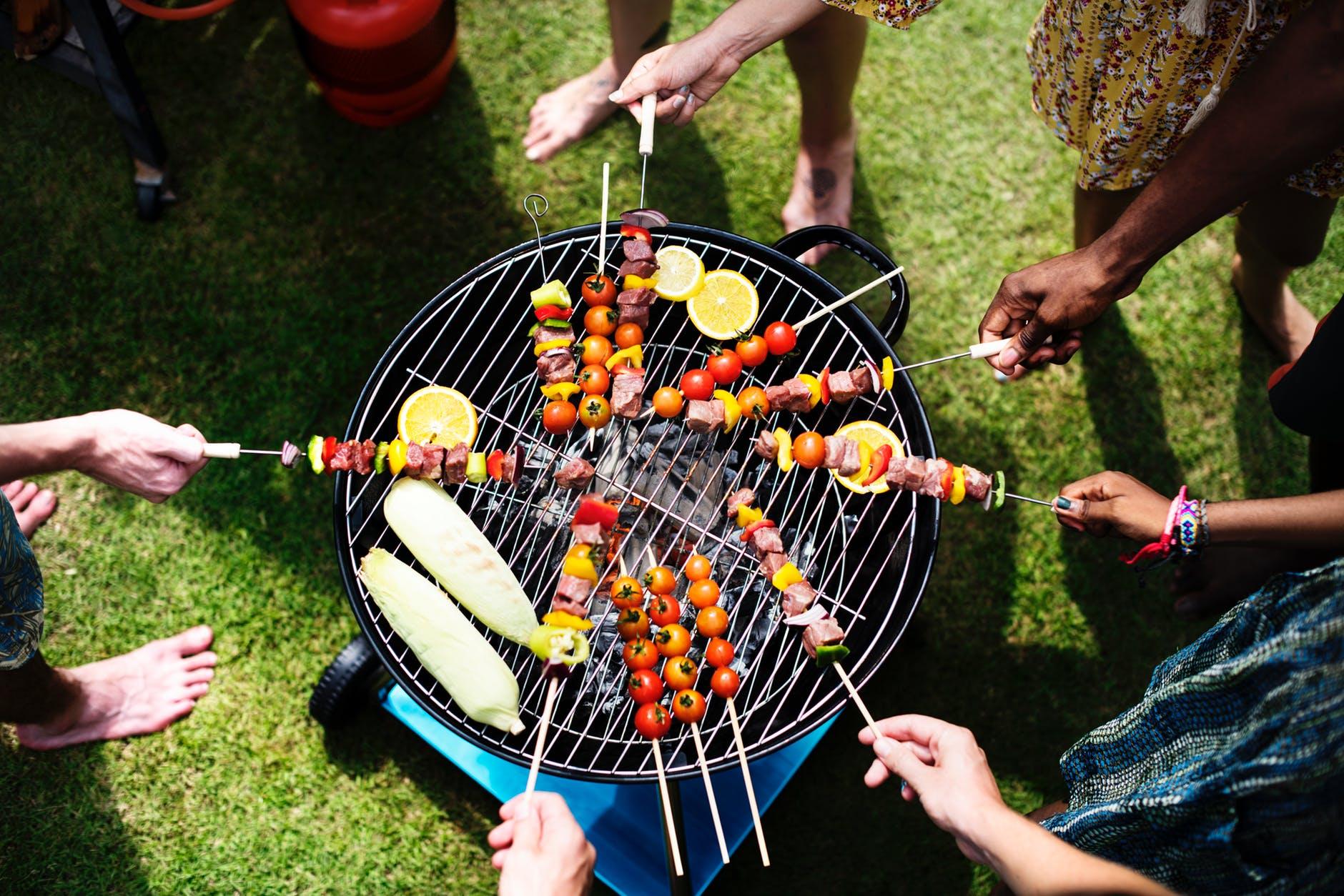 Καλοκαίρι στη βεράντα: έπιπλα και ιδέες για χαλάρωση!