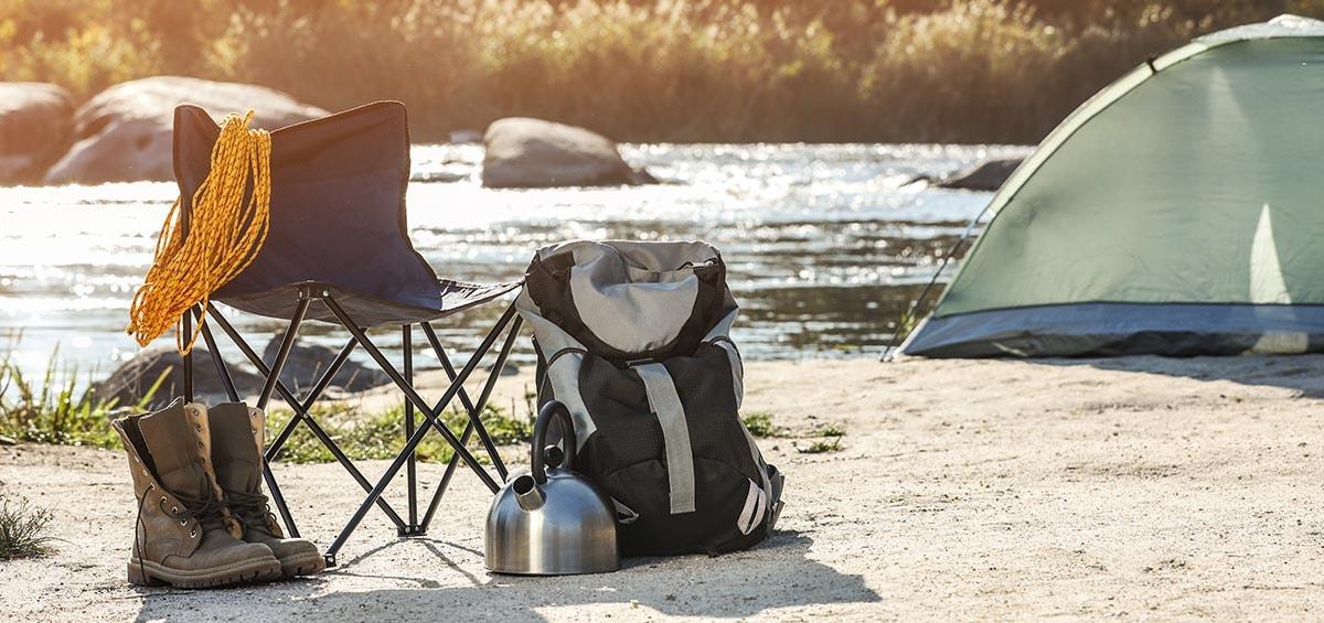 Πάρε σκηνή, σπαστή καρέκλα και φύγαμε για camping!