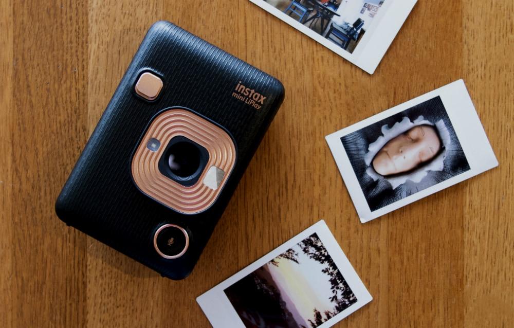 Fujifilm Instax LiPlay: Ήρθε στο Public και κλέβει εντυπώσεις!