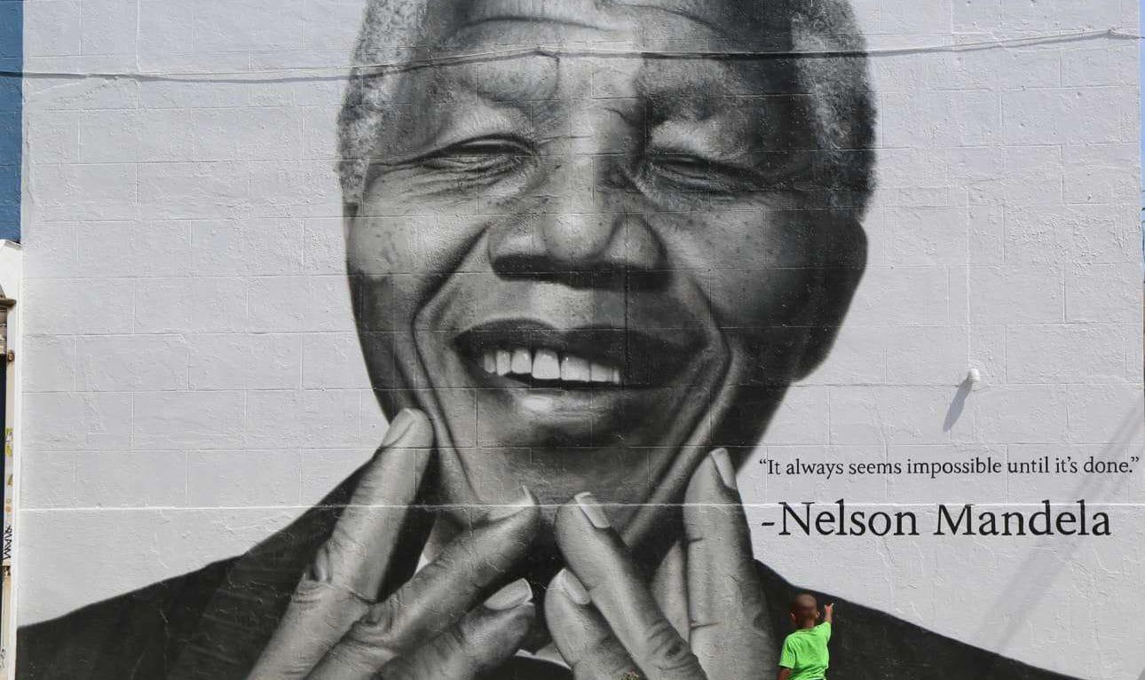 Νέλσον Μαντέλα: Σαν σήμερα γεννιέται ο σπουδαίος ηγέτης