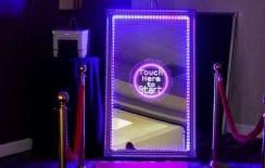 Μagic Photo Mirror Booth: Καθρέφτη, καθρεφτάκι μου…