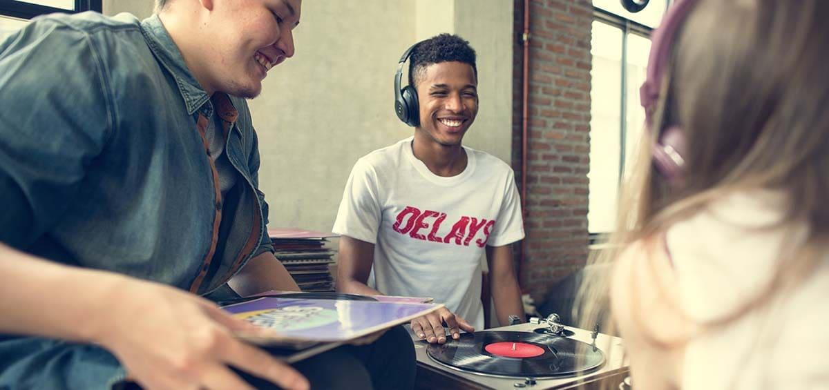 Φτιάχνεις το φοιτητικό σου σπίτι; Γέμισέ το με μουσική