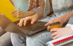 Το πανεπιστήμιο δεν βγαίνει δίχως… δυνατό laptop!